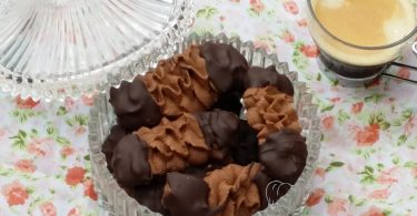 Biscuits Viennois au Chocolat ou Spritz sans Oeufs