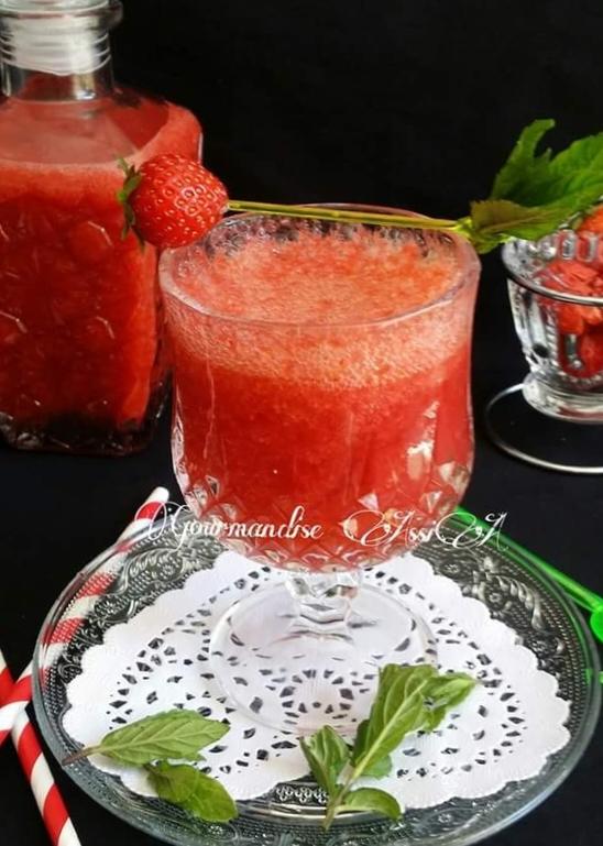https://gourmandiseassia.fr/mojito-fraise-sans-alcool/