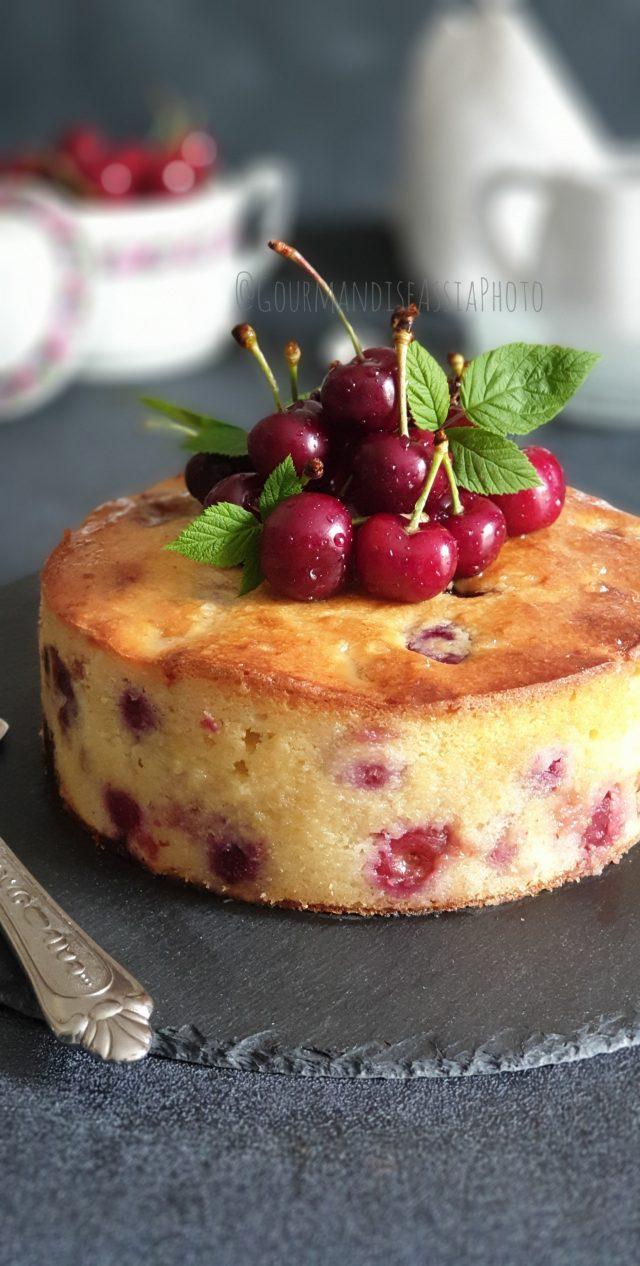 Gâteau Fondant aux Cerises et Ricotta