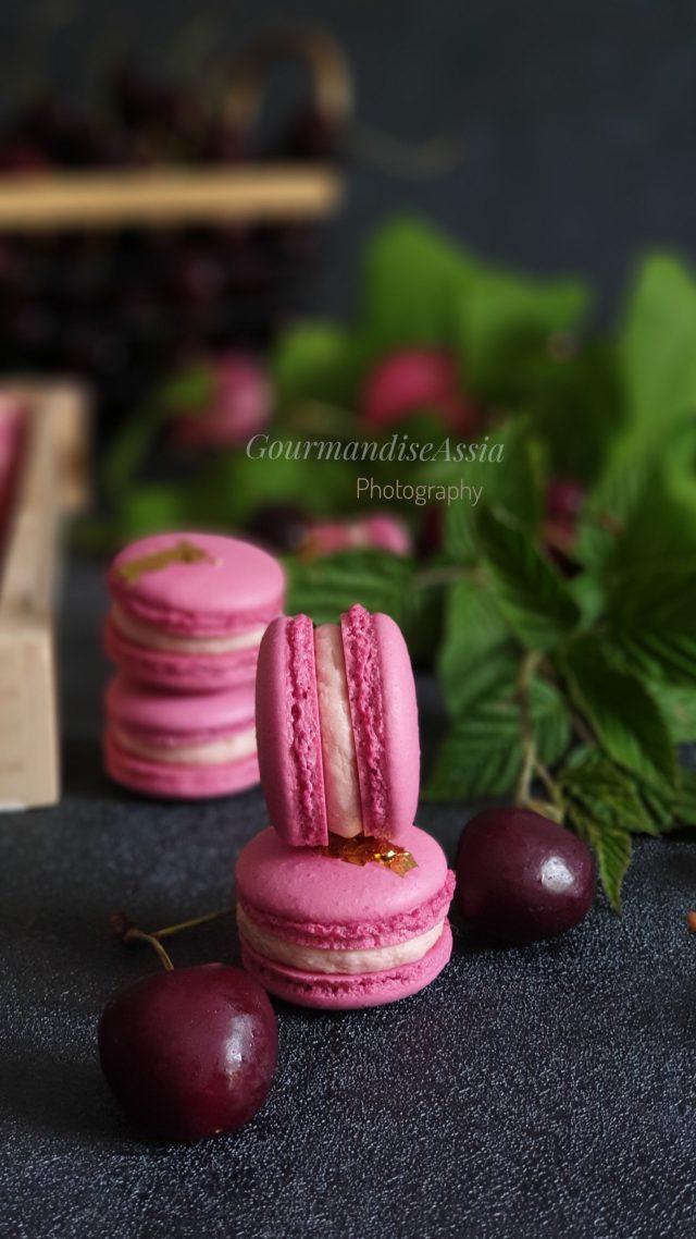 Macarons Chocolat Blanc et Cerise pour OCTOBRE ROSE