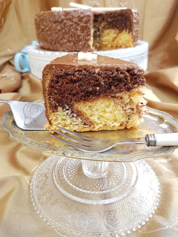 Cake Vanille Chocolat au Glaçage Rocher