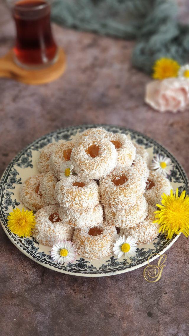 Biscuits Puits aux Amandes et Coco à la Confiture